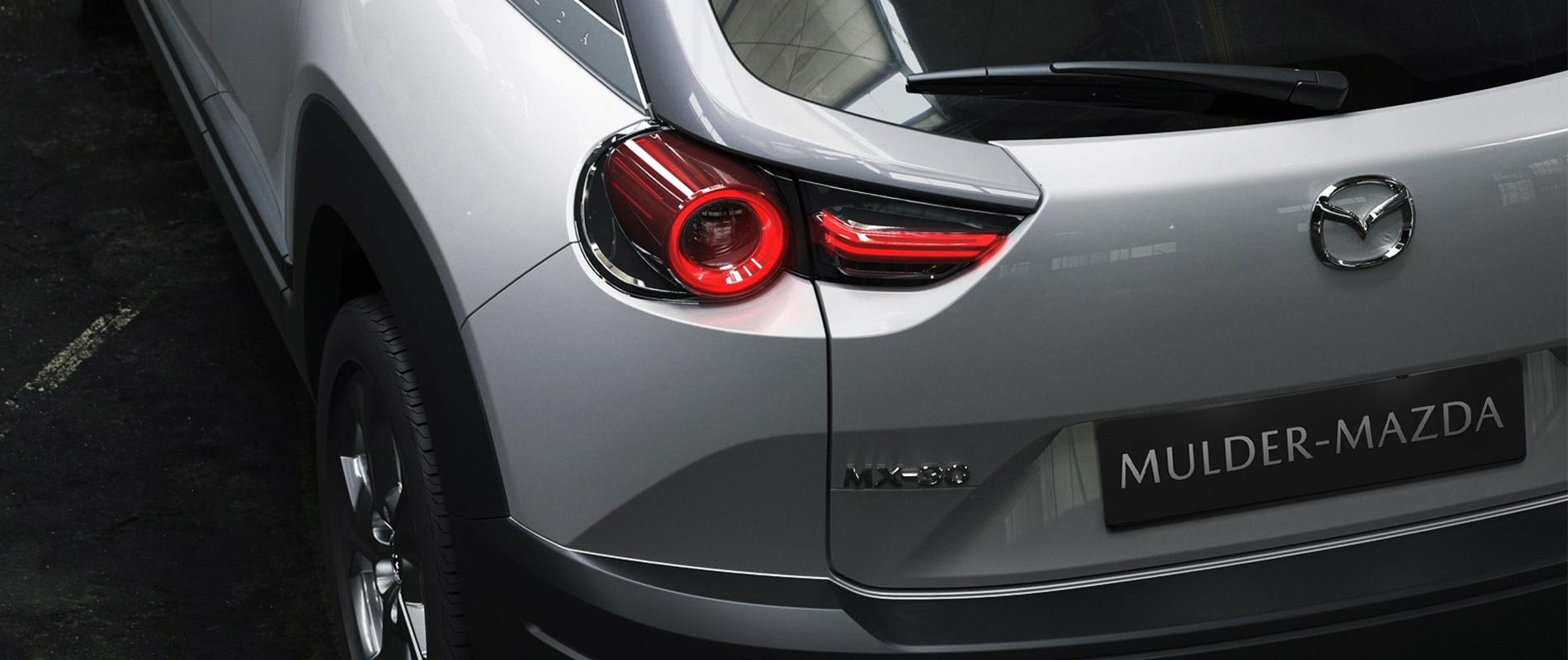 Mazda MX-30 Private Lease: 375,- (na evt. aftrek van subsidie €292* voor de eerste 48 mnd en €375 voor de laatste 12 mnd).
